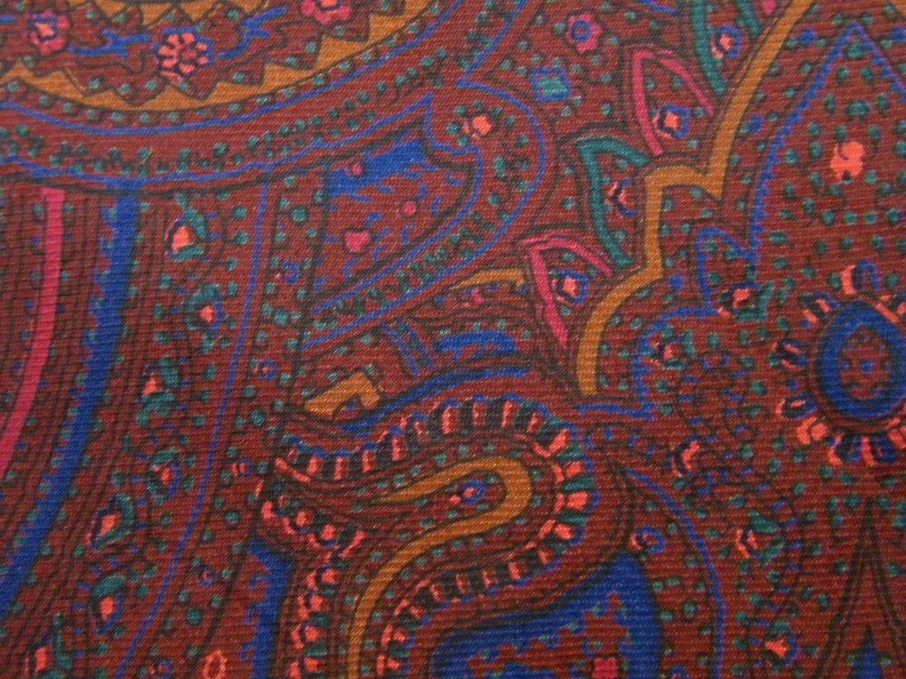 LIBERTY OF LONDON ART NOUVEAU ORNATE PAISLEY BURGUNDY BLUE SILK NECK TIE NECKTIE