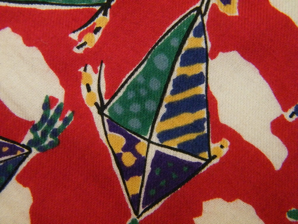 LANDS END KITE FLYING SKY CLOUDS RED WHITE SUMMER DAY COTTON NECK TIE NECKTIE
