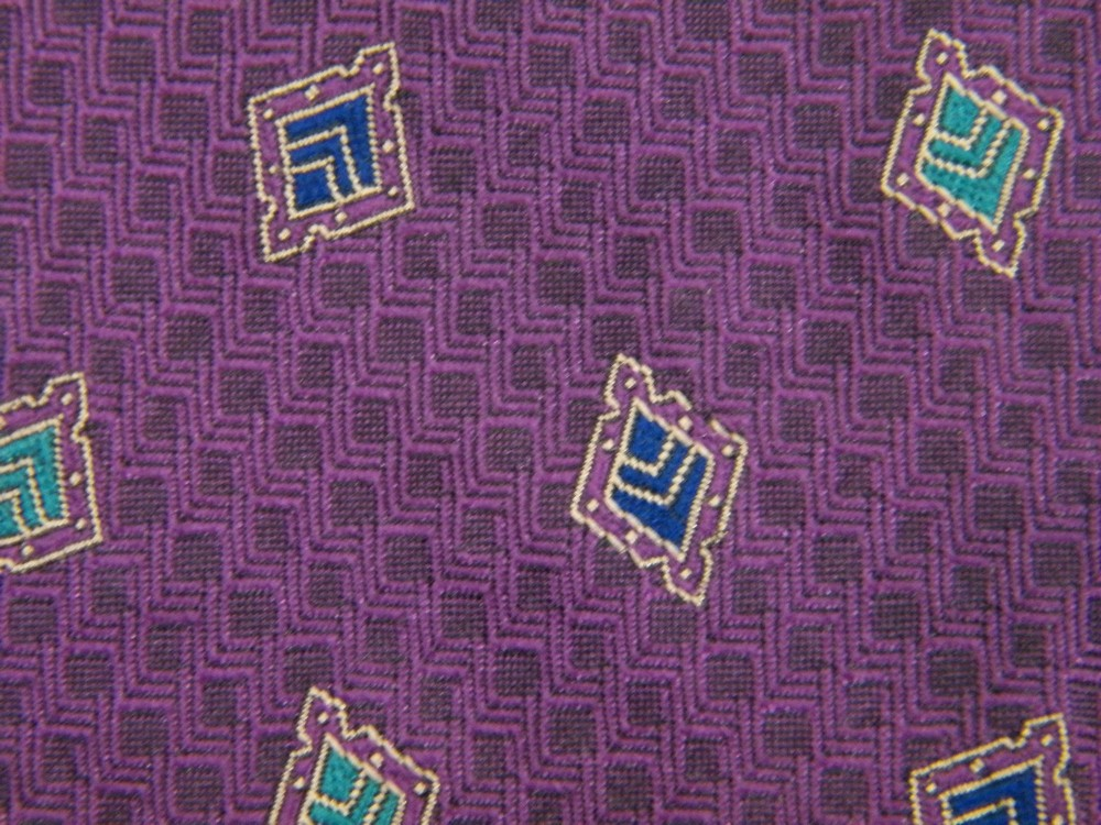 ROBERT TALBOTT FRAMED DIAMONDS GEOMETRIC REPEAT PURPLE SILK NECK TIE NECKTIE