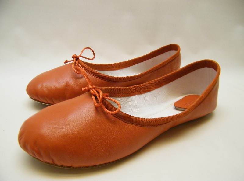 Find orange ballet flats at ShopStyle. Shop the latest collection of orange ballet flats from the most popular stores - all in one place. Pink Orange Ballet Flats Orange Flats Orange Flats For Women Orange Leather Sole Women's flats Orange Rubber Sole Women's flats Ermanno Scervino Ballet Flats Shoes Women $ $ Get a Sale .